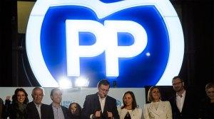 dirigentes-PP-balcon-Genova