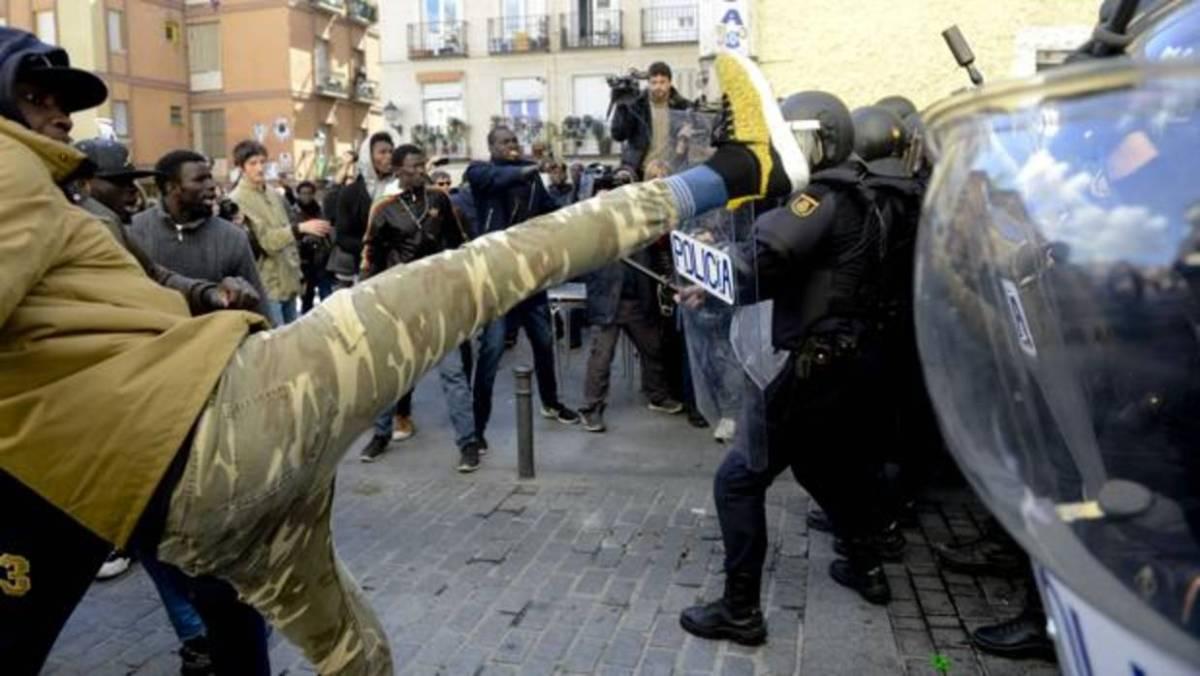 España es nuestro hogar: si has venido aquí a destrozarlo y a delinquir, ya conoces la salida
